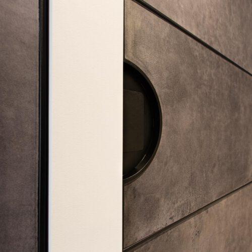 Detail deuren met leer