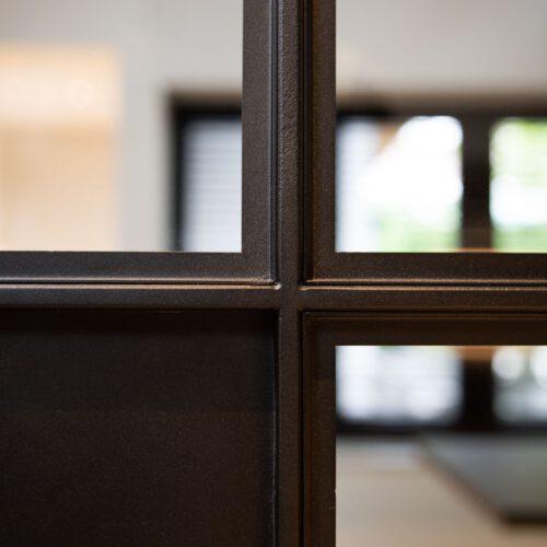 Detail profiel stalen deuren