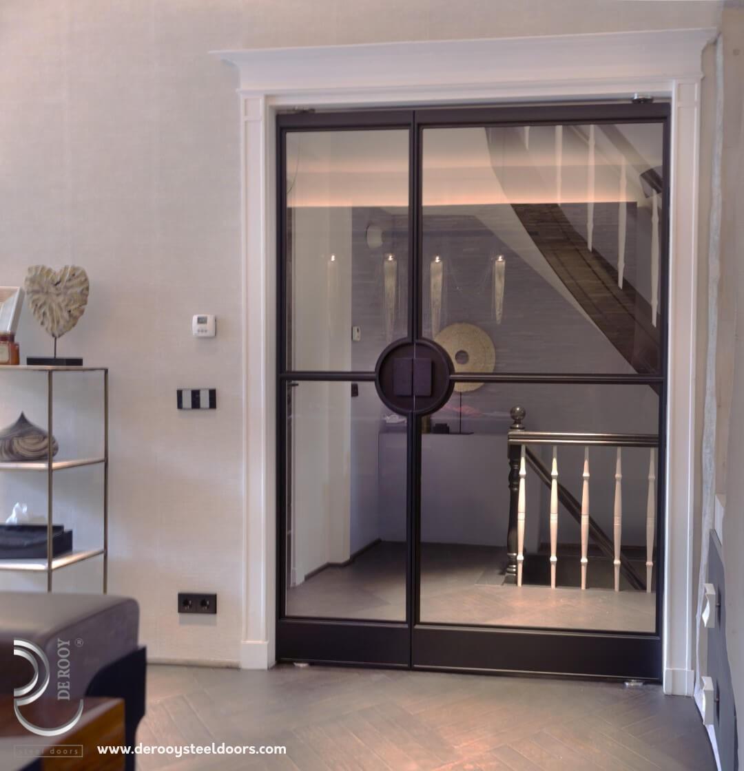Dubbele stalen deuren in Amsterdam
