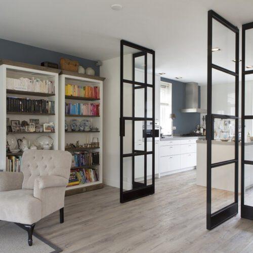 Stalen deuren keuken