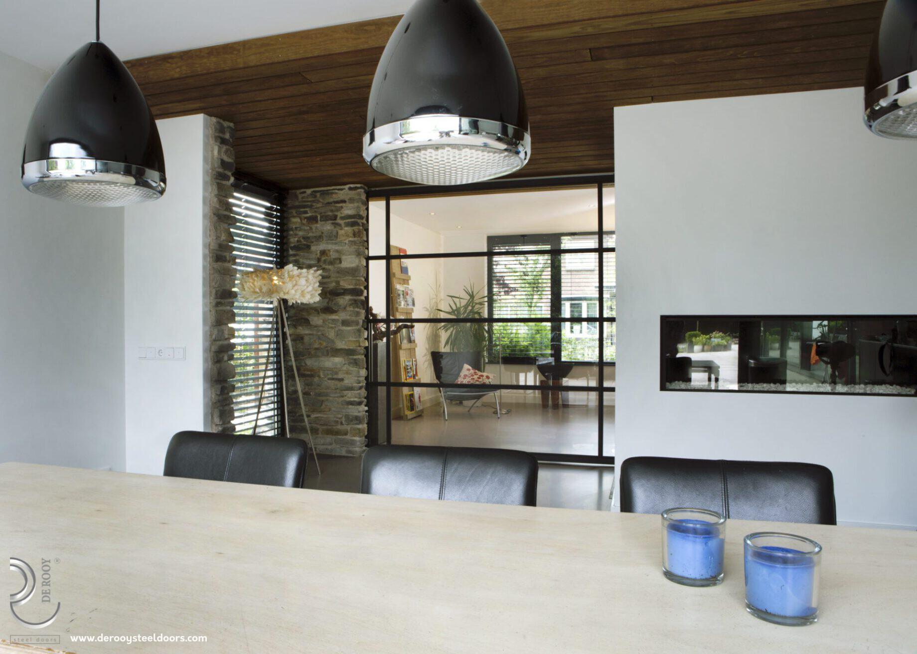 Stalen binnendeuren in keuken