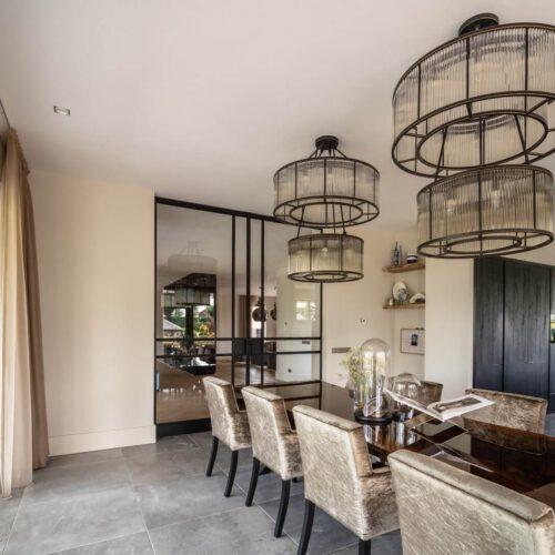 Stalen binnendeuren in woonkamer en keuken