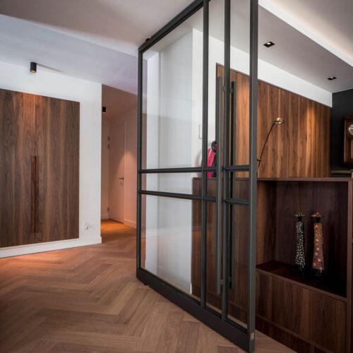 Stalen deur maatwerk tussen hal en keuken