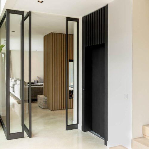 Stalen deur met pui woonkamer openslaand