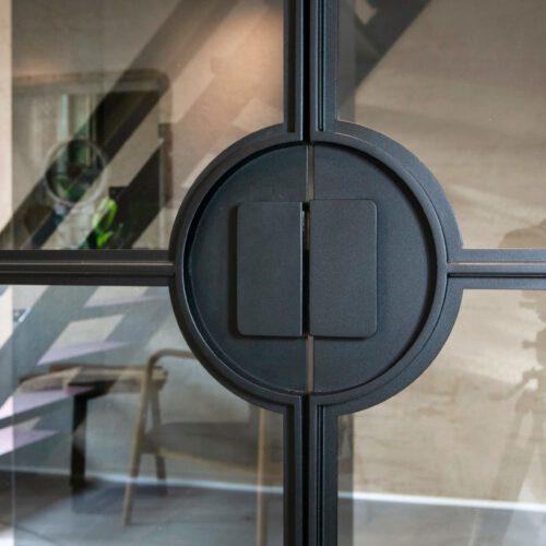 Stalen deur ronde handgreep