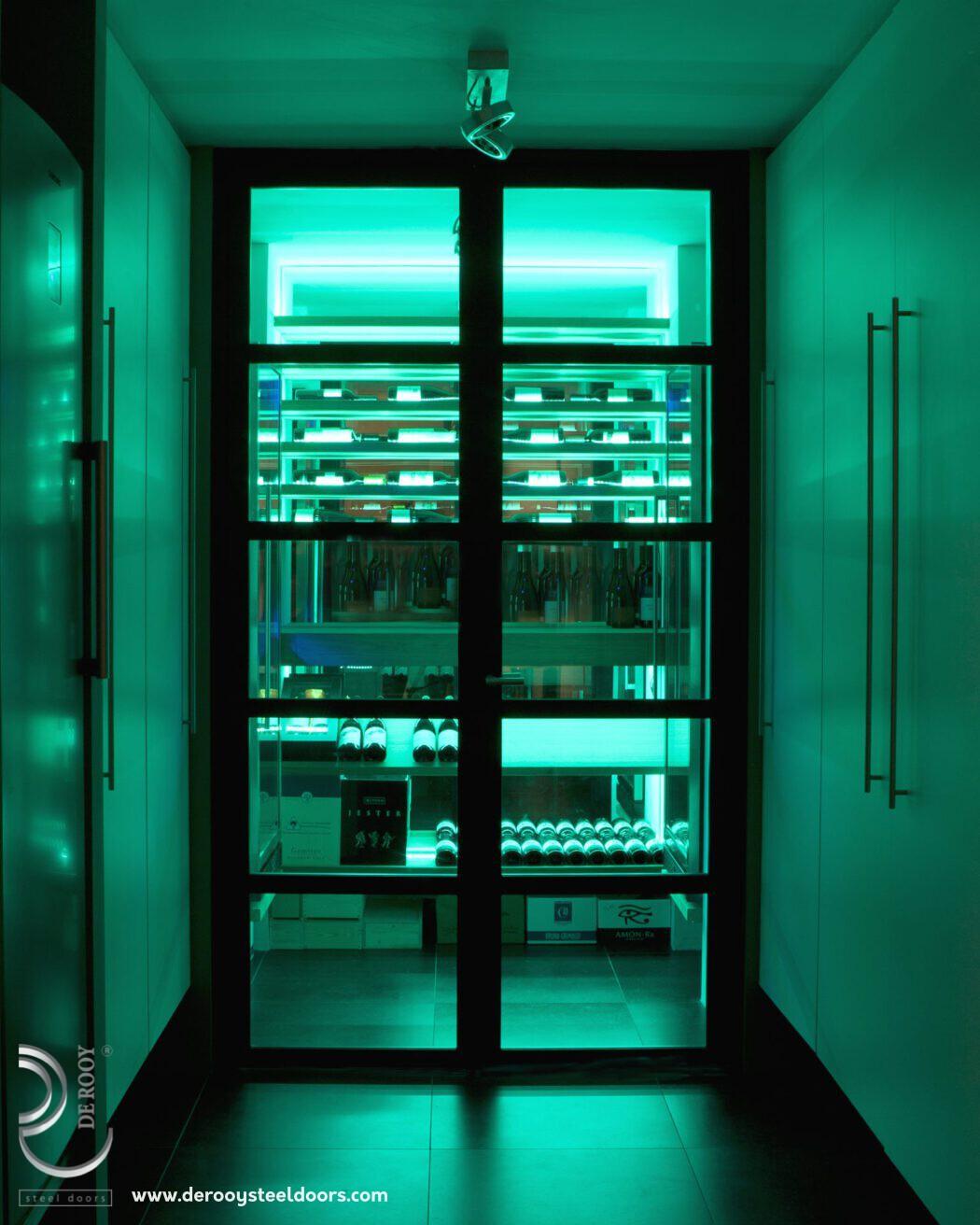 Stalen binnendeuren wijnkelder Blaricum