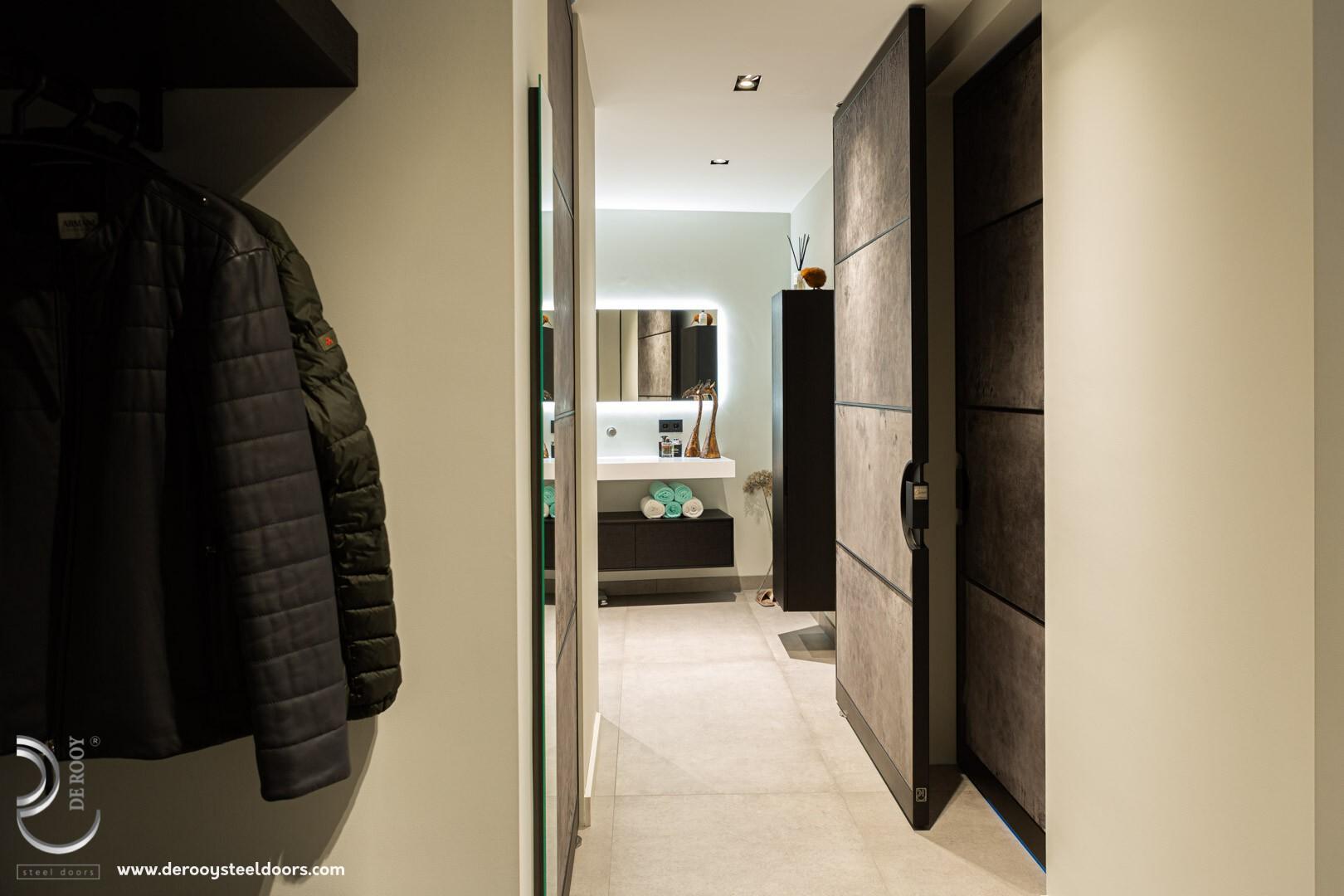 Stalen deuren badkamer hal
