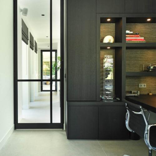 Stalen deuren in modern herenhuis cuypers taatsdeur