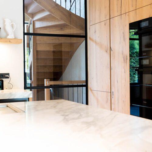 Stalen taatsdeur in keuken