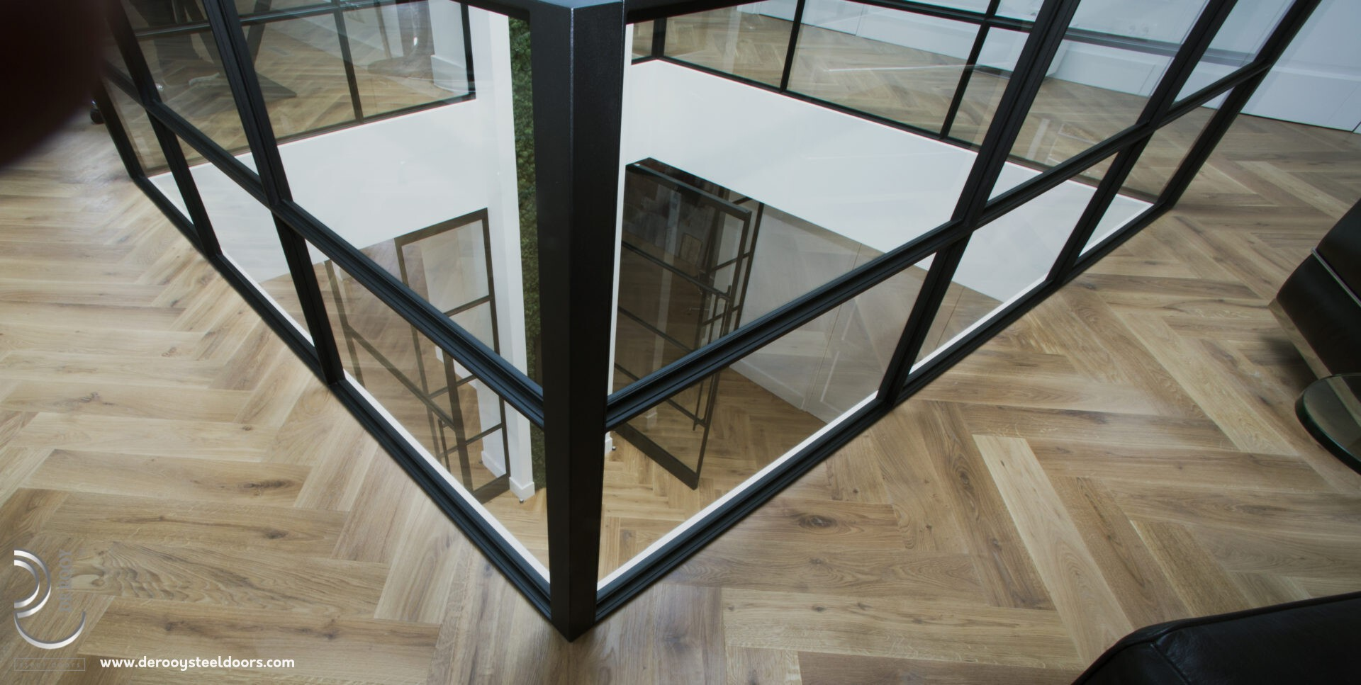 Dubbele taatsdeuren kantoor, glazen balustrade