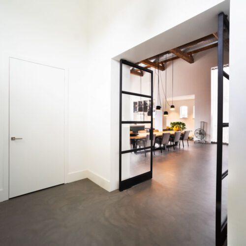 dubbele-stalen-deuren-openslaand